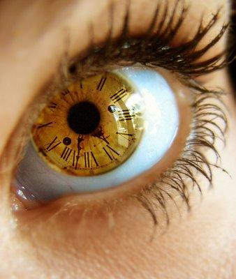 Feliz viernes ojo reloj