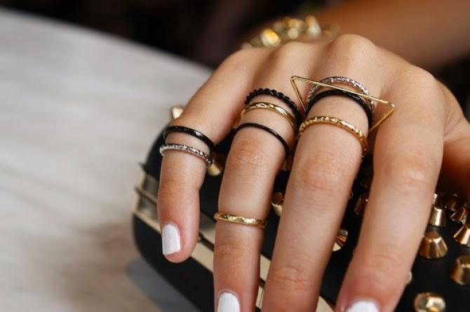 anillos minimalistas